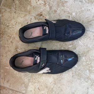 Women's puma sneaker